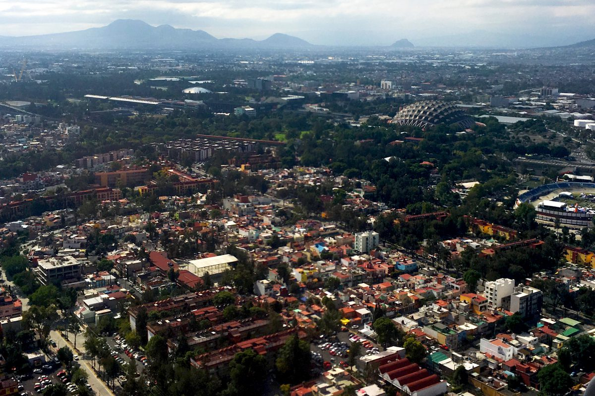 Flying into Mexico City (Aerial View)